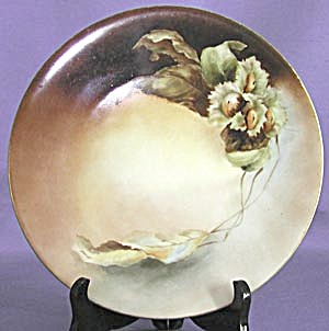 Vintage Signed Hand Painted Daisy Plate (Image1)