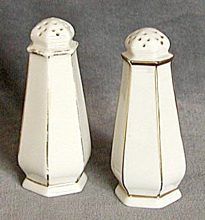 Lenox Belleck Salt & Pepper