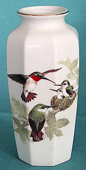 Otagiri Hummingbird Vase (Image1)