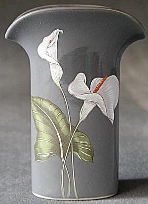 Calla Lily Vase (Image1)