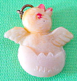 Vintage Celluloid Hatching Chick Charm (Image1)