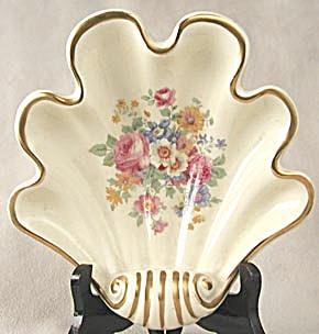 Vintage Large Shell Shaped Dish (Image1)