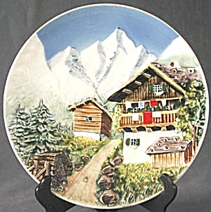 Vintage 3D Mountain Scene Plate (Image1)