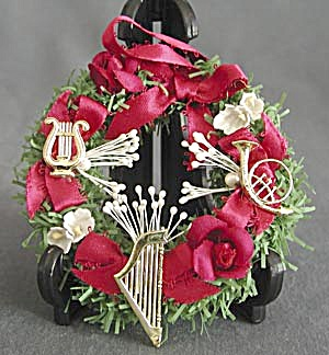 Musical Instruments Wreath Christmas Ornament (Image1)