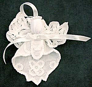 Embroidered Angel Christmas Ornaments Set of 3 (Image1)