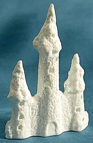 Three Tower Castle Christmas Ornament (Image1)