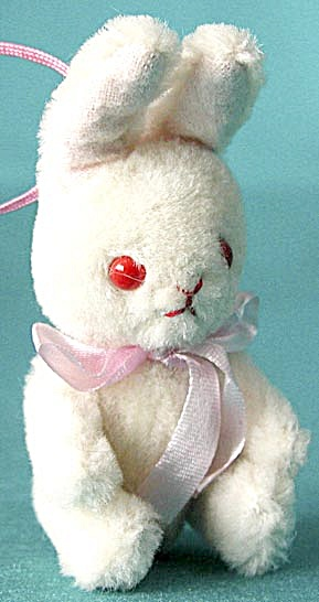 Vintage White Jointed Bunny (Image1)
