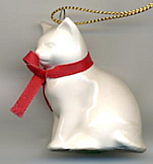 White China Cat Christmas Ornament (Image1)