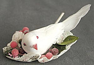 Dove on Wreath Christmas Ornament (Image1)