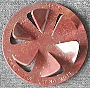 Cracker Jack Toy Prize: Top Blow on It (Image1)