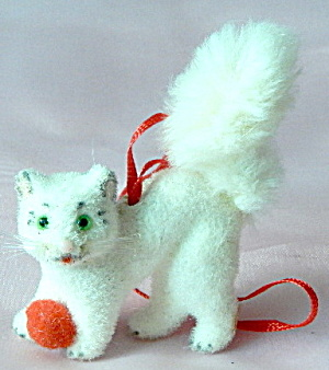 Wagner Kunstlerschutz Flocked Cat Ornament