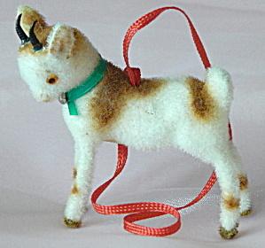 Wagner Kunstlerschutz Flocked Goat Ornament (Image1)