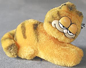 Garfield Hugger Figure