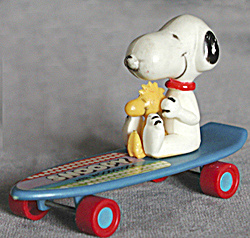 Vintage Snoopy & Woodstock On Skateboard Toy