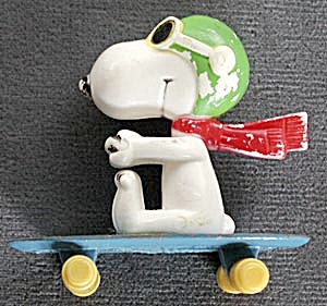 Vintage Flying Ace on Die-Cast Skateboard (Image1)
