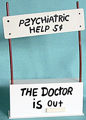 Vintage Peanuts Psychiatric Help Stand (Image1)