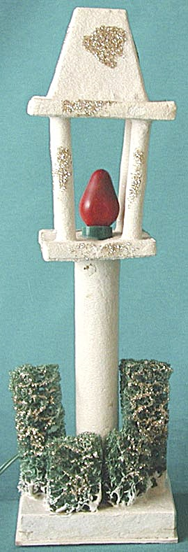 Vintage Electric Lamp Post Christmas Decoration (Image1)