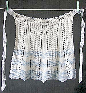 Vintage White and Blue Crocheted Apron (Image1)