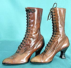 Victorian Brown Leather Lace Up Boots (Image1)