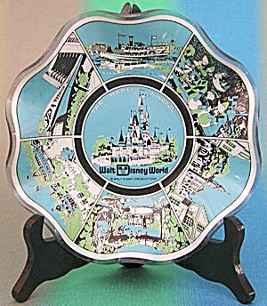 Disney World Glass Souvenir Dish (Image1)