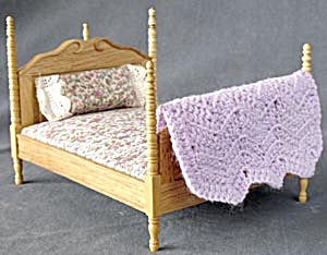 Dollhouse Wooden Four Poster Bed With Bedding