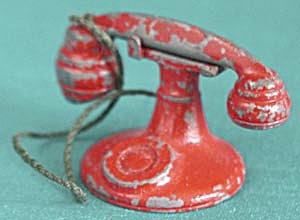 1930s Metal Tootsietoy Dollhouse Phone (Image1)