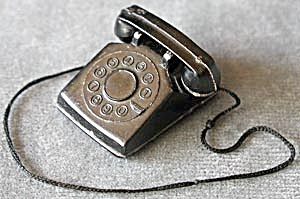 Vintage Dollhouse Telephone (Image1)