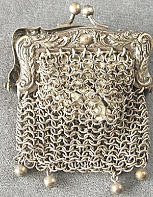 Vintage Tiny Metal Mesh Purse (Image1)