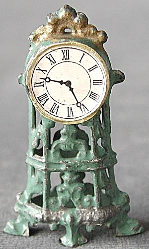 Vintage Metal Doll House Clock (Image1)