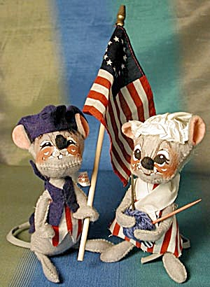 Vintage Annalee Patriotic Girl & Boy Mouse (Image1)