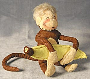 Vintage Annalee Monkey with Banana (Image1)