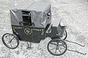Retired Muffy Vanderbear Landau (Carriage)