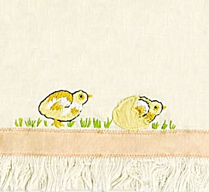 Vintage Cotton Embroidered Chicken Towel (Image1)
