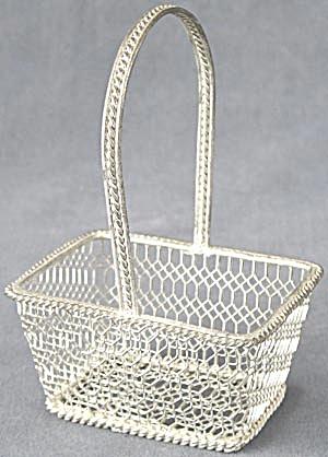 Vintage Silvertone Small Basket (Image1)