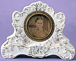 Vintage Lavender Flower Porcelain Clock (Image1)