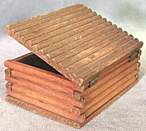 Vintage Wooden Box (Image1)
