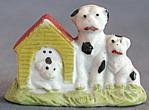 Vintage Bisque Dog House And 3 Dogs
