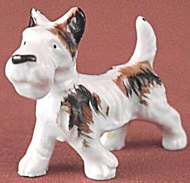 Vintage Terrier Figurine (Image1)