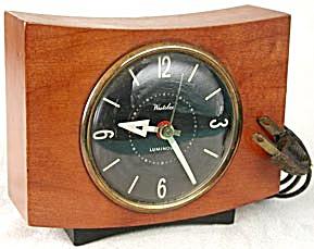Vintage Wooden Westclox Clock (Image1)