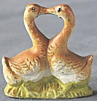 Vintage Bisque Geese Figurine (Image1)