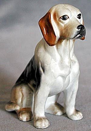 China Beagle Figurine (Image1)