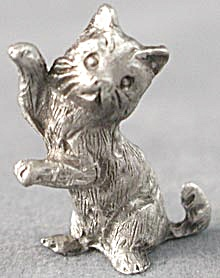 Rawcliffe Pewter Kitten Sitting Playing (Image1)