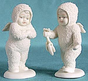 Retired Dept 56 Snowbabies: I Found Your Mittens (Image1)