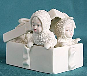 Retired Dept 56 Snowbabies: Winter Surprise! (Image1)