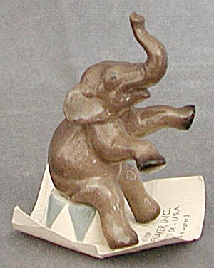 China Tiny Elephant Hagen Renaker Figurine (Image1)