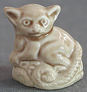 Red Rose Tea Company Wade Whimsy Figurine Bush Baby (Image1)