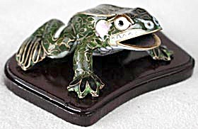Cloisonne Enamel Frog on wooden Base (Image1)