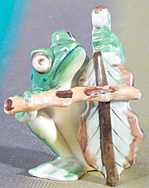 Occupied Japan Frog Playing A Leaf Bass Fiddle