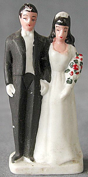 Vintage Bisque Bride and Groom Cake Topper (Image1)