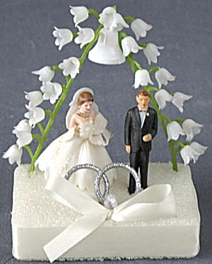 Vintage Bride & Groom Plastic Wedding Cake Topper